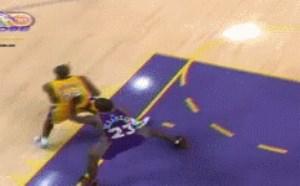 NBA明星科比投篮gif动态图:传奇巨星科比投篮gif帅呆了