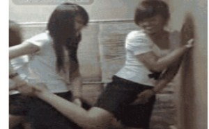 两女同学性交姿势av动态图片