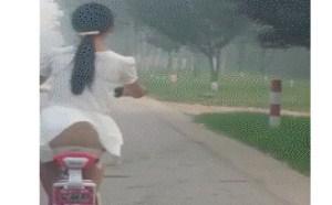 好凉快!邪恶亮点图裸体骑车