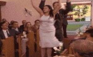 各咱国外婚礼现场新郎跳舞搞笑动态图片