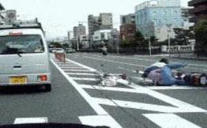 美女女司机真的不靠谱吗  搞笑gif图片