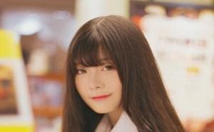 清纯美女图片高清第2期:可爱高校女大学生身材挺拔
