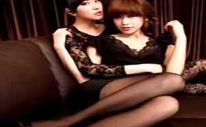 美女姐妹花H性感透明蕾丝丝袜写真