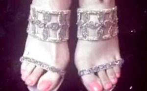妹妹微拍福利 美女神级美女美脚高跟凉鞋自拍