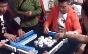 打麻将打牌搞笑小视频微信搞笑小视频